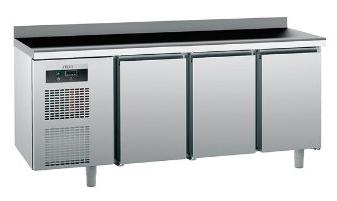 Продам трехдверный холодильный стол Tefcold бу для общепита